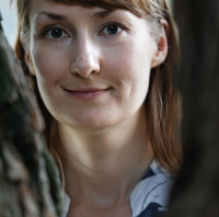 How to write a novel in two languages – a writing interview with Emmi Itäranta
