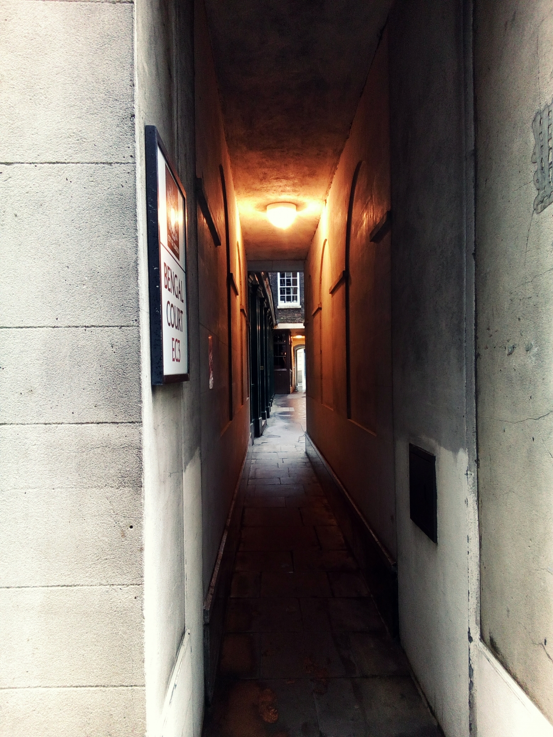 london city alleys